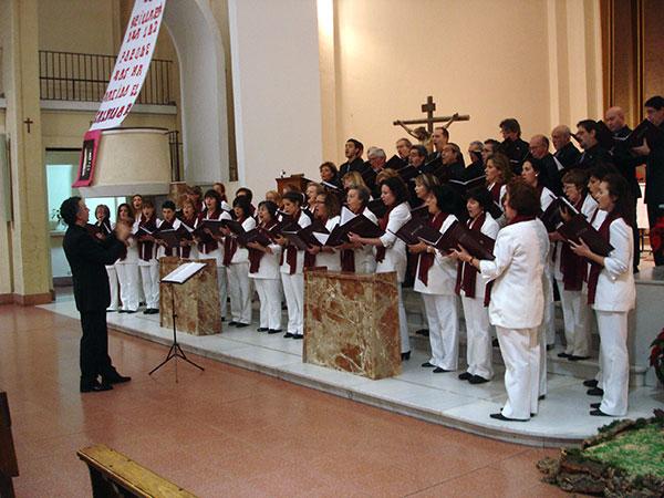 fotos/conciertos/20101211/parroquia_beata_maria_madrid_4.jpg
